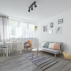 Example of a room using Cloud vinyl flooring (SKU: 7020) in the Level Seven product line